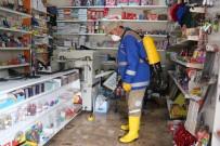 OSMAN GAZI - Muhtar İş Yerlerini Tek Tek Gezerek Dezenfekte Etti
