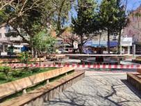 EMNIYET ŞERIDI - Samandağ Belediyesi, Uyarıları Dinlemeyen Vatandaşlara Meydanı Kapattı