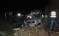 ONDOKUZ MAYıS ÜNIVERSITESI - Samsun'da Ticari Araç Ağaca Çarptı Açıklaması 1 Ölü, 2 Yaralı