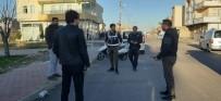 ARAZİ ANLAŞMAZLIĞI - Akrabaların Arazi Kavgasını Polis Engelledi