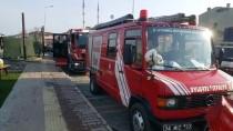 ACıBADEM - Bahçelievler'de Araçlara Sıçrayan Konteyner Yangını Söndürüldü