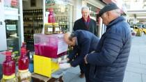 TURŞU SUYU - Çubuklu Turşuculardan Vatandaşlara Ücretsiz Turşu Suyu İkramı