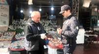 İŞPORTACI - (Özel) İstanbul'da Polis Sokağa Çıkma Yasağına Uymayan Yaşlıları Uyardı