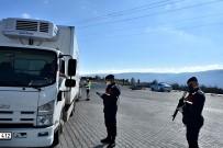 Sürücüler, Polis Ve Jandarmadan Kimliklerini Kolonyayla Temizleyerek Aldı
