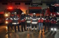 Fahrettin Koca - Yüksekova'daki İtfaiyecilerden Sağlık Çalışanlarına Alkışlı Destek