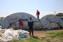 HAYVAN PAZARI - Akdeniz Belediyesi Zabıta Ekipleri, Tırmıl Hayvan Pazarını Kaldırdı