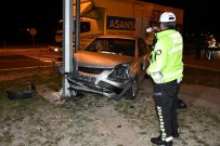 Aksaray'da 2 Otomobil Çarpıştı Açıklaması 2 Yaralı