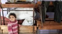 REJIM - Suriye'den Kaçan Aileler Boş Okula Sığındı
