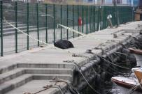 DENİZ POLİSİ - Yenikapı'da Denize Düşen Balıkçı Hayatını Kaybetti
