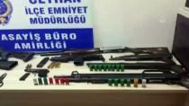 CEYHAN - Adana'da 2 Kişinin Yaralandığı Silahlı Kavgalarla İlgili 13 Şüpheli Yakalandı