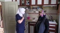 MUSTAFA ÜNAL - Evde Bakım Hizmeti Alan Yaşlıların Evlerinde Koronavirüs Temizliği