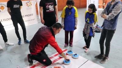 Floor Curling Sporu Görme Engelliler İçin Sesli Hale Getirildi