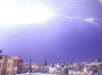 Reyhanlı'da Şimşekler Geceyi Aydınlattı