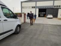 ARBEDE - Silahla Fabrika Basıp Kaçtılar, Sonra Geri Gelip Polise Teslim Oldular