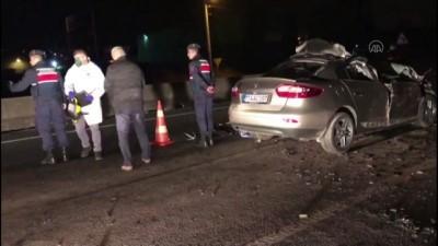 Yalova'da Tıra Çarpan Otomobil Sürücüsü Öldü