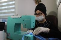 YAVUZ SULTAN SELİM - Bu Mahallenin Kadınları Sağlık Çalışanları İçin Evlerinde Maske Dikiyor