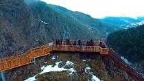 KANYON - Kanyonları İle Tanınan 2 Bin 500 Nüfuslu İlçeyi 150 Bin Kişi Ziyaret Etti