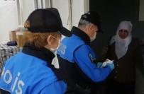 TOPLUM DESTEKLI POLISLIK - Polis 371 Yaşlıya Hizmet Etti, Maaşlarını Bile Çekip Teslim Etti
