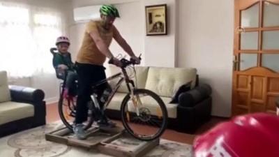 Rizeli Baba Sahilde Gezmek İsteyen Kızı İçin Bisiklet Keyfini Eve Taşıdı