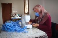 FEVZIPAŞA - Bergama'nın Kadınları Sağlık Çalışanları İçin Günde Bin Maske Dikiyor