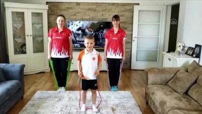 Erzincanlı Sporculardan 'Evde Kal Sporuna Devam Et' Çağrısı