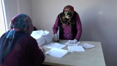 Hataylı Gönüllülerden Asker Ve Sağlık Çalışanları İçin Maske Üretimi