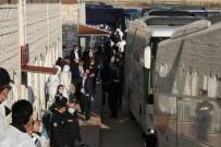 POLİS ÖZEL HAREKAT - Havaalanındaki Yabancı Uyruklu Yolcular Karabük'e Getirilmeye Başlandı