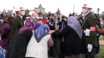 ŞEHİT AİLELERİ DERNEĞİ - Irak'ta Şehit Olan Piyade Uzman Çavuş İsmail Karataş Son Yolculuğuna Uğurlandı