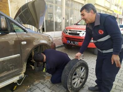 Karaman'da İtfaiyeden Kedi Kurtarma Operasyonu