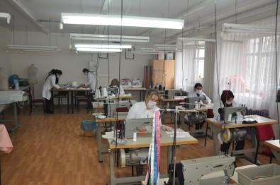 Kars'ta Tek Kullanımlık Maske Üretiliyor