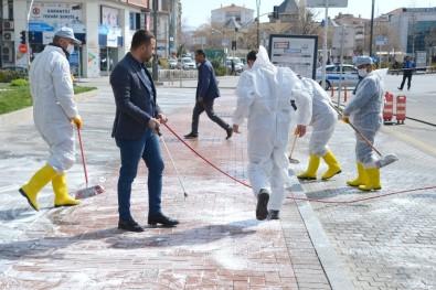Kırşehir Belediyesi Cadde Ve Sokakları Köpüklü Su İle Yıkadı