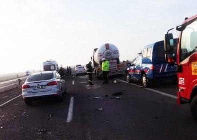 Konya'da LPG Tankeri İle Otomobil Çarpıştı Açıklaması 4 Yaralı