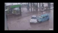 TRAFIK KAZASı - Korkutan Kaza Mobese İle Görüntülendi