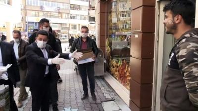 Nevşehir Belediye Başkanı Rasim Arı, Vatandaşlara Maske Ve Kolonya Dağıttı