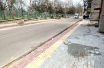 OSMANGAZI BELEDIYESI - Osmangazi'nin Kaldırımları Güzelleşiyor