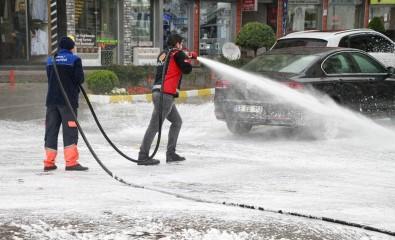 Rize'de Cadde Ve Sokaklar Deniz Suyu İle Yıkanıyor