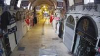 YABANCI TURİST - Tarihi Kapalı Çarşı Sessizliğe Büründü
