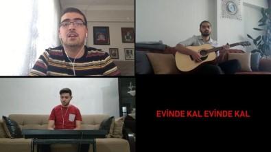Üniversite Öğrencilerinden 'Evinde Kal' Şarkısı