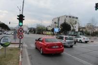 RAYLI SİSTEM - Antalya'da Sinyalizasyon İşaretlerinden Korona Uyarısı
