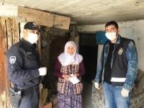 EMNİYET AMİRİ - Hisarcık'ta 65 Yaş Üstü Emeklilerin Maaşlarını Polis Evlerine Getiriyor