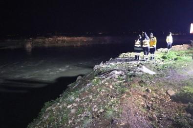 Polisten Kaçan Şüpheliler Su Kanalına Kanalına Uçtu.