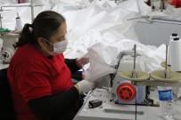 ANTİBAKTERİYEL - Tekstil Üretimini Durdurup Sağlıkçılar İçin Tulum Üretmeye Başladılar