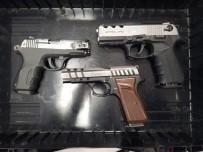 GÜNDOĞDU - Uyuşturucu Suçundan Aranan Şüpheli Ruhsatsız Silahla Yakalandı