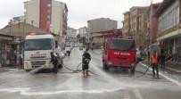 HAMDOLSUN - Ahlat'ta Cadde Ve Sokaklar İlaçlı Suyla Yıkanıyor