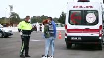 Antalya'da Koronavirüs İhbarı Yapılan Otomobil Polisi Harekete Geçirdi