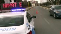OTOBÜS TERMİNALİ - 'Evde Kal', 'Hayat Eve Sığar' Yazıları Polis Araçlarının Tepe Lambalarında
