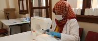 MESLEKİ EĞİTİM - Gaziosmanpaşalı Kadınlar Günde 2 Bin Maske Üretiyor
