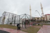 NEVŞEHİR BELEDİYESİ - Mahallelerdeki Spor Sahaları Kullanıma Kapatıldı