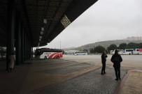 OTOBÜS TERMİNALİ - Şehirler Arası Seyahatteki Kısıtlama Başlamadan Kocaeli Şehirlerarası Otobüs Terminali Boş Kaldı