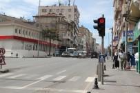 NEVŞEHİR BELEDİYESİ - Trafik Işıklarında 'Evde Kal' Çağrısı